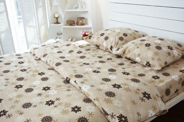 постельное белье бежевого цвета